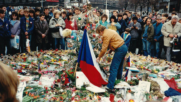 Vaclav-Praga-RevoluciAn-Terciopelo-CC_CYMIMA20141117_0001_13